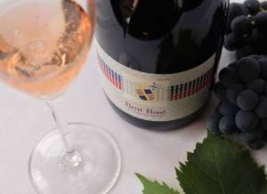 Offer-Sparkling-wine-brut-rosè-metodo-classico-made-of-only-sangiovese
