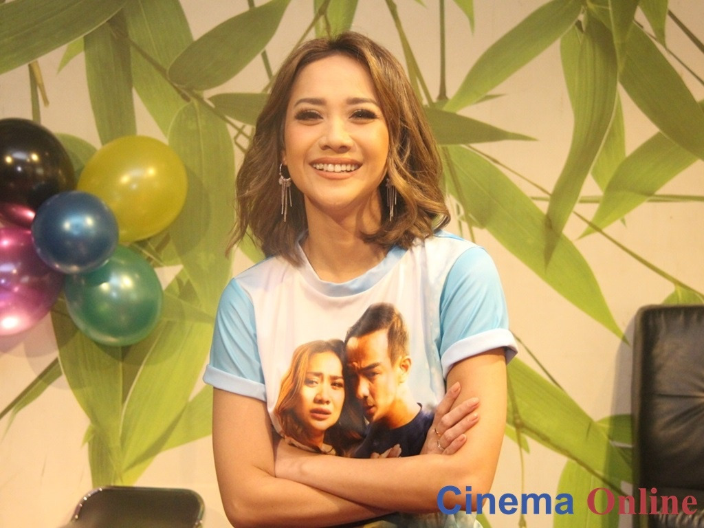 Bunga Citra Lestari Is Thankful That Her Husband Understands The Changes She Went Through While Filming Surat Kecil Untuk Tuhan