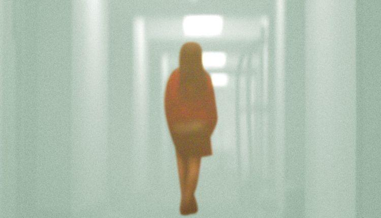 Mistério-e-Morte-no-Hotel-Cecil-um-olhar-sobre-doenças-mentais-e-internet