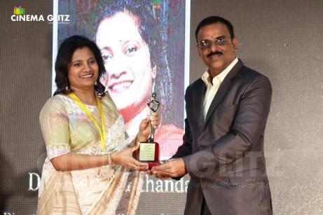 CinemaGlitz-Raindropss-Sadhanai-Pengal-Womens-Day-Awards-Pics-04