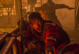 Mark Wahlberg stars in Lionsgate FIlms' DEEPWATER HORIZON