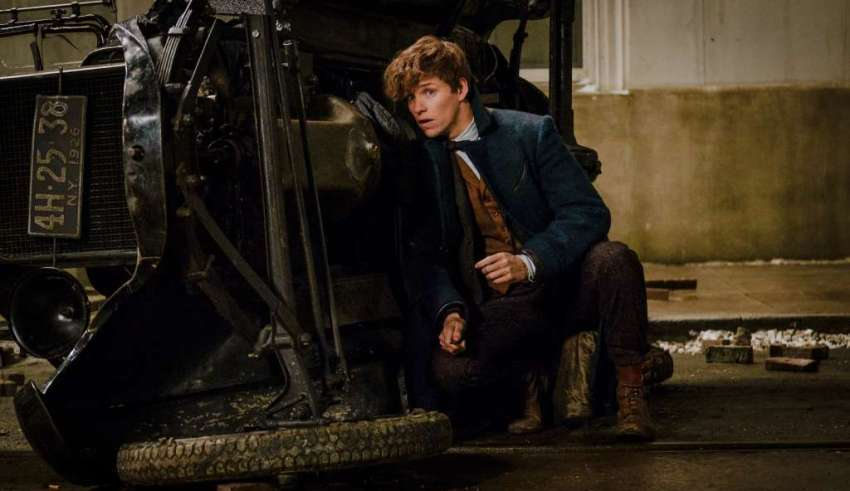 Eddie Redmayne stars in Warner Bros. Pictures' FANTASTIC BEASTS AND WHERE TO FIND THEM