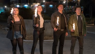 (L-R) Abigail Breslin, Emma Stone, Woody Harrelson and Jesse Eisenberg star in Sony Pictures' ZOMBIELAND: DOUBLE TAP