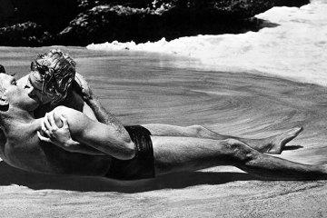 """Deborah Kerr e Burt Lancaster em """"A um Passo da Eternidade"""" (From Here to Eternity, 1953) - Foto: Divulgação"""