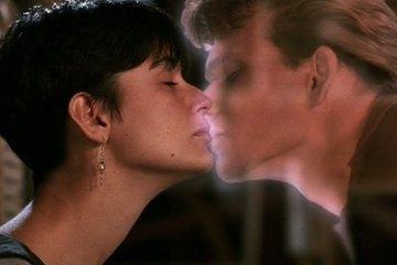 """""""Ghost: Do Outro Lado da Vida"""" (Ghost, 1990) - Distribuição: Paramount Pictures"""