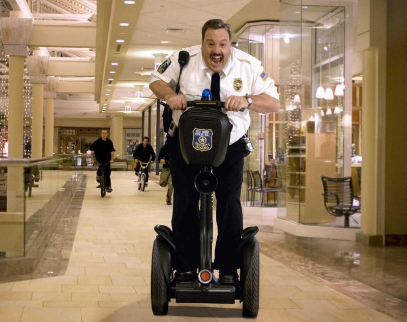 kevin-james-e-il-protagonista-del-film-paul-blart-mall-cop