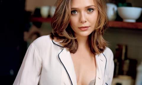 Elizabeth Olsen sexy.