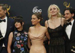Premios Emmy 2016. Juego de tronos hace historia en drama. Veep triunfa en comedia
