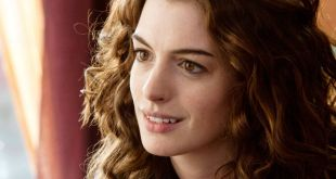 Anne Hathaway dans le film colossal