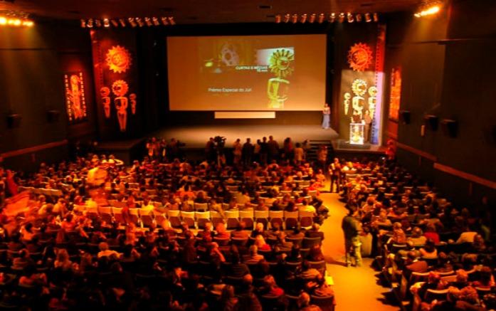 Resultado de imagem para festival de cinema em gramado