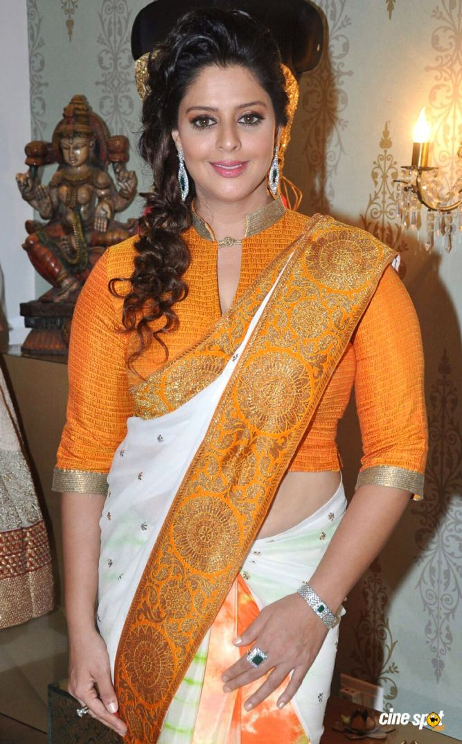 Nagma+in++Saree+photos+_4_.jpg (1024×1646)