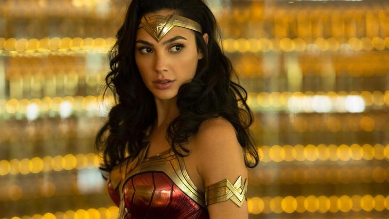 Wonder Woman 1984: Warner pondera se rinunciare alla release cinematografica e portarlo direttamente in home-video