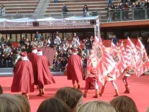 Gli sbandieratori di Volterra sul red carpet di Roma