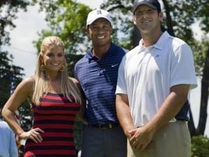 Tiger Woods insieme a Jessica Simpson ed il fidanzato