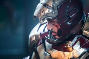 Robert Downey Jr., un ferito Tony Stark in Iron Man 3