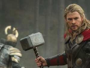 Chris Hemsworth in una scena del film