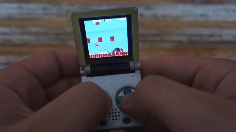 Anahtarlıktan Küçük GameBoy İle Tanışın!