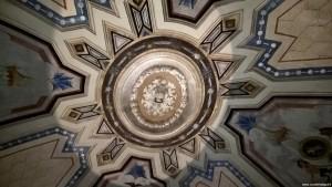 Vignola, Palazzo Barozzi, scala a chiocciola, decorazioni