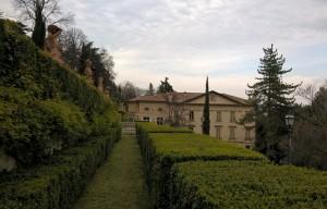 Villa Spada Bologna, veduta dal giardino