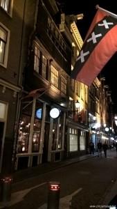 Amsterdam, bandiera tre croci=tre minacce
