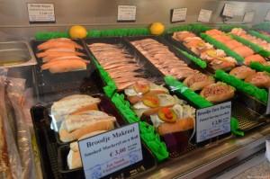 Olanda, panini con aringhe e altro pescato
