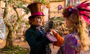 Alice attraverso lo specchio, scena del film
