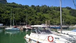 Vallugola, porticciolo alla Baia degli Angeli