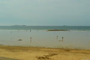 Bretagna, St Malo, spiaggia durante la bassa marea
