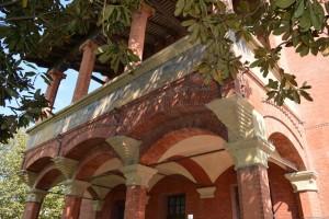 Bentivoglio, Palazzo Rosso, balcone