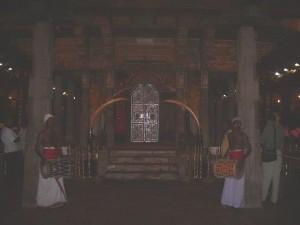 Sri Lanka, Kandy, interno del Tempio del Sacro Dente