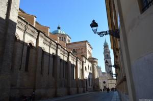 Parma, il Duomo visto di lato