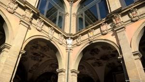 Bologna, cortile della Biblioteca dell'Archiginnasio