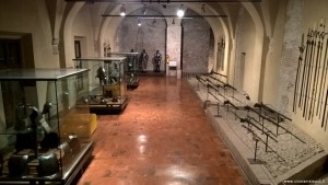 Imola, Rocca Sforzesca, esposizione d'armi ed armature