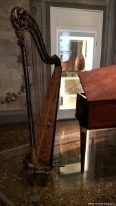 Bologna, Museo Internazionale della Musica, arpa a pedali