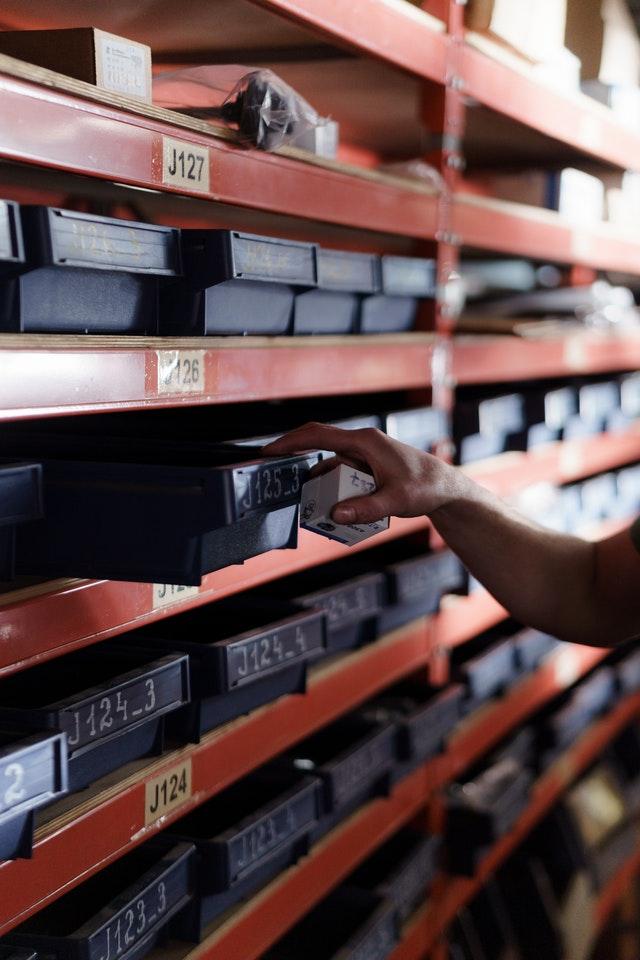 VMI to improve logistics performance