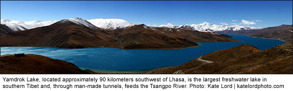 Yamdrok Lake, located approximately 90 kilometers southwest of Lhasa, is the largest freshwater lake in