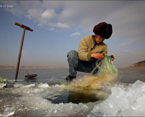 Faced with irrigation restrictions, many farmers in eastern Hebei Province look for other ways to make a living.