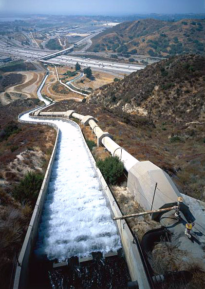 Los Angeles Aqueduct L.A. water infrastructure United States U.S. pipes Jet Lowe for the Historic American Engineering Record project.
