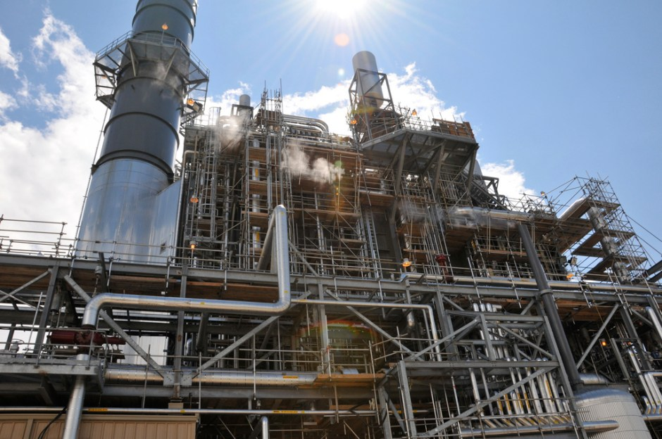 The Greenfield Energy Center in Courtright, Ontario, is a 422-megawatt natural gas fired power plant completed in 2008. Click image to enlarge.