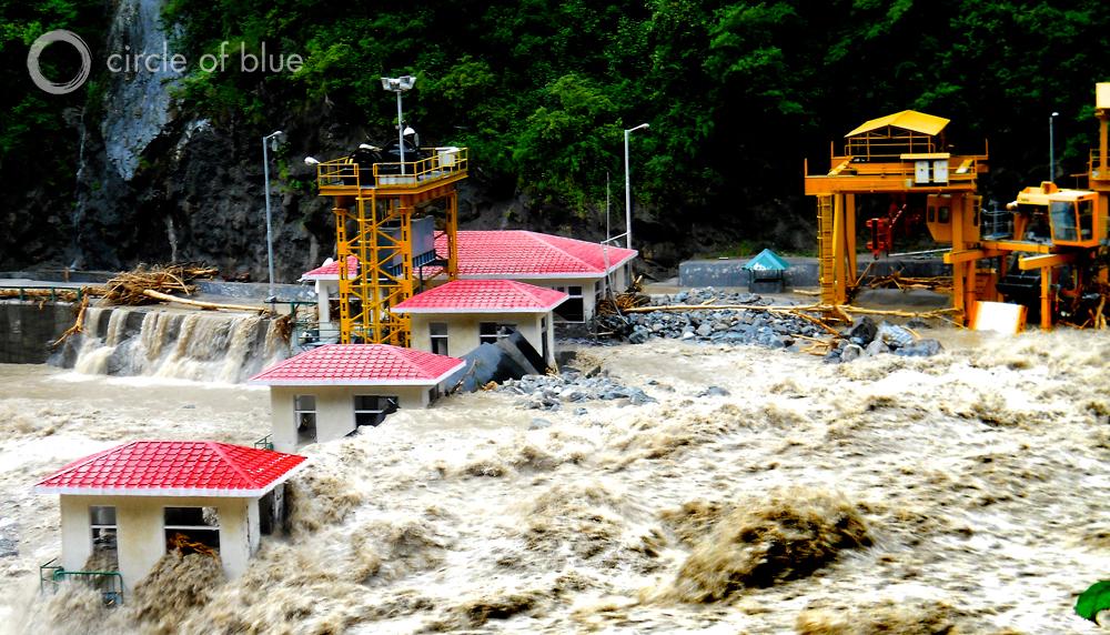 Dam-flood-India-Uttrakhand-1000