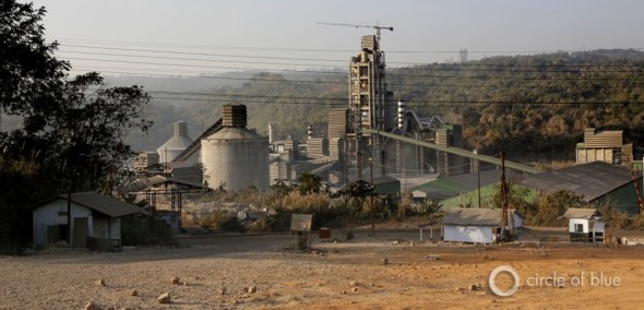 Since 1999, seven big cement plant plants have been constructed in the Jaintia Hills. They receive limestone from local mines, are powered by captive coal-fired electrical plants, and produce almost 18,000 tons of cement daily. Landowners along the Lukha River are convinced that drainage from limestone mines is a factor in why the river turns blue.