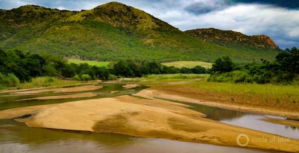 2016-01-South-Africa-1-KSchneider_Pongola-River