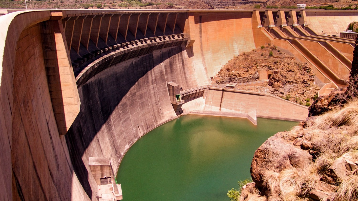 The Vandekloof Dam on the Orange River in Northern Cape province was completed in 1977 and holds back one of South Africa's largest reservoirs.