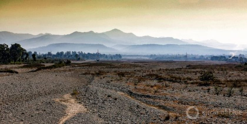 The latest national drought assessment shows that 19 of the 36 states and territories are experiencing moisture deficits of at least 50 percent when compared to normal years of rainfall. A dry riverbed in Uttarakhand, a Himalayan state. Photo © Dhruv Malhotra