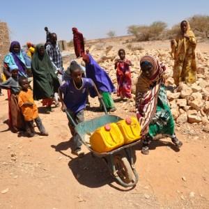 https://upload.wikimedia.org/wikipedia/commons/3/34/Oxfam_East_Africa_-_SomalilandDrought003.jpg