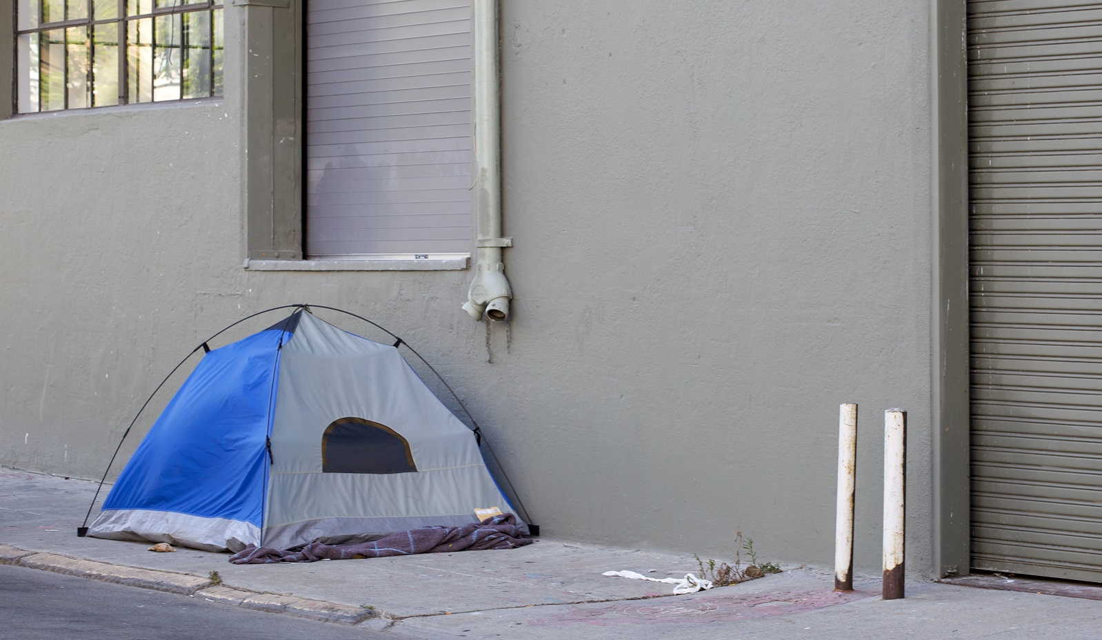 Why are so many Americans living in dire poverty?