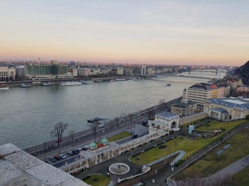 https://www.pexels.com/photo/budapest-danube-river-nature-833723/
