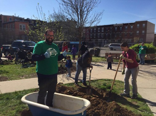 circle of hope, spring clean up, non-denominational, collingswood, south jersey, philadelphia, churches, event