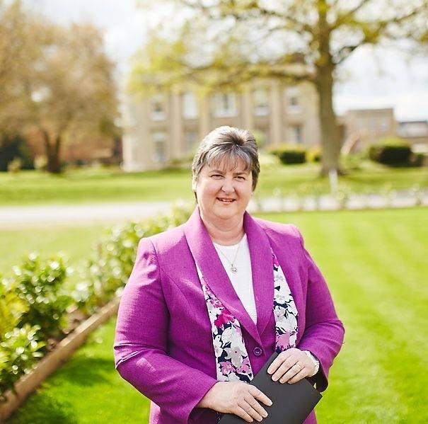 Independant Celebrant - Sue Dewing