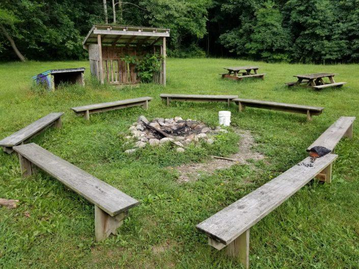 Acorn fire pit